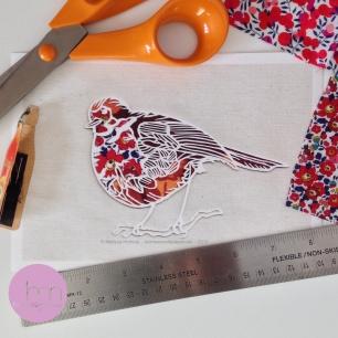 Robin :: © Melissa Holmes holmesmadepapercuts